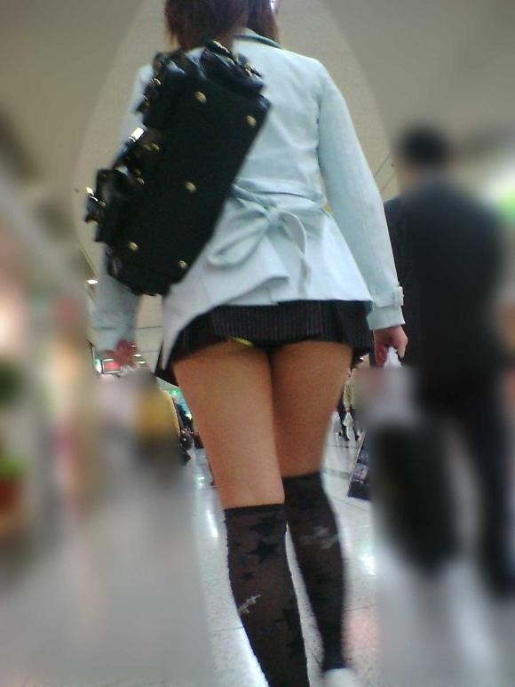 短すぎるスカートをなんで履くのか不思議すぎるwwwwwww【画像30枚】21_2019072401222928b.jpg