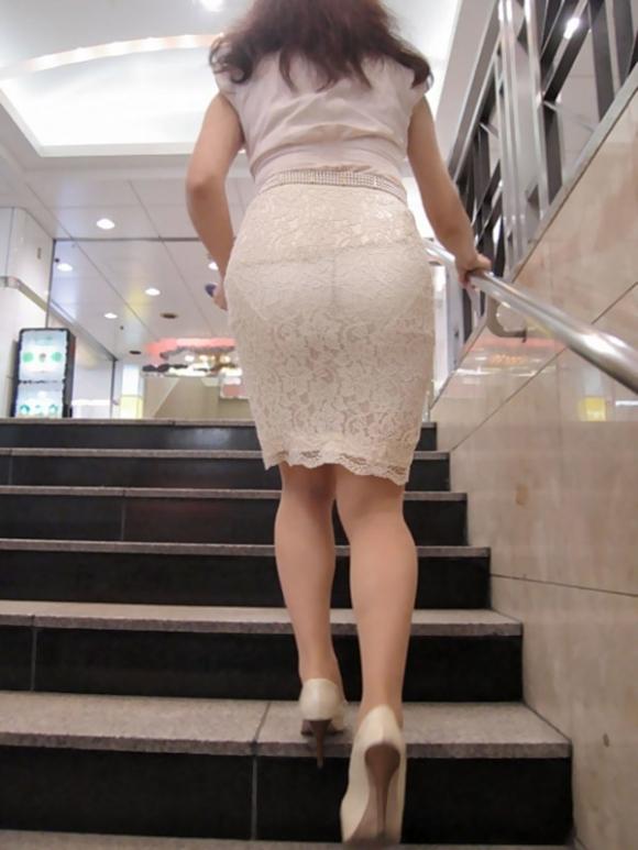 【残暑】暑いからパンティ透けちゃうレベルの薄着になる女子wwwwwww【画像30枚】22_20181002021242031.jpg
