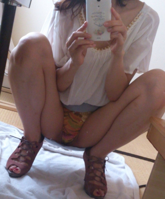 【鏡自撮り画像】鏡を使うと一段とエロさが増すことを理解してる素人女子のあざとさヤバしwwwwwww【画像30枚】22_20190923015125647.jpg