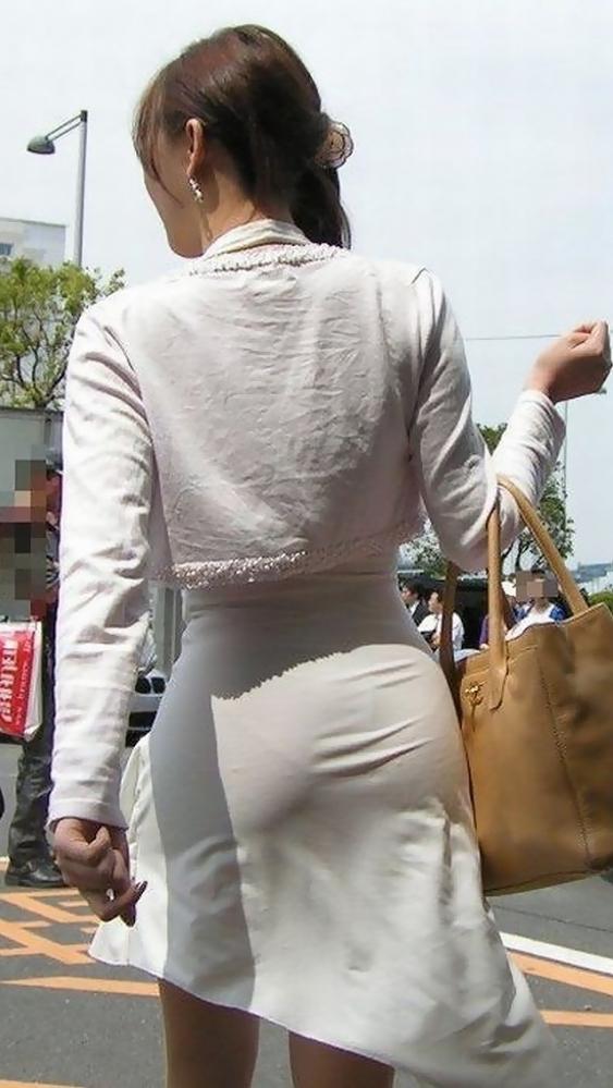 パンツ透けてる状態で外出歩く女の子の神経wwwwwww【画像30枚】23_20181018160151301.jpg