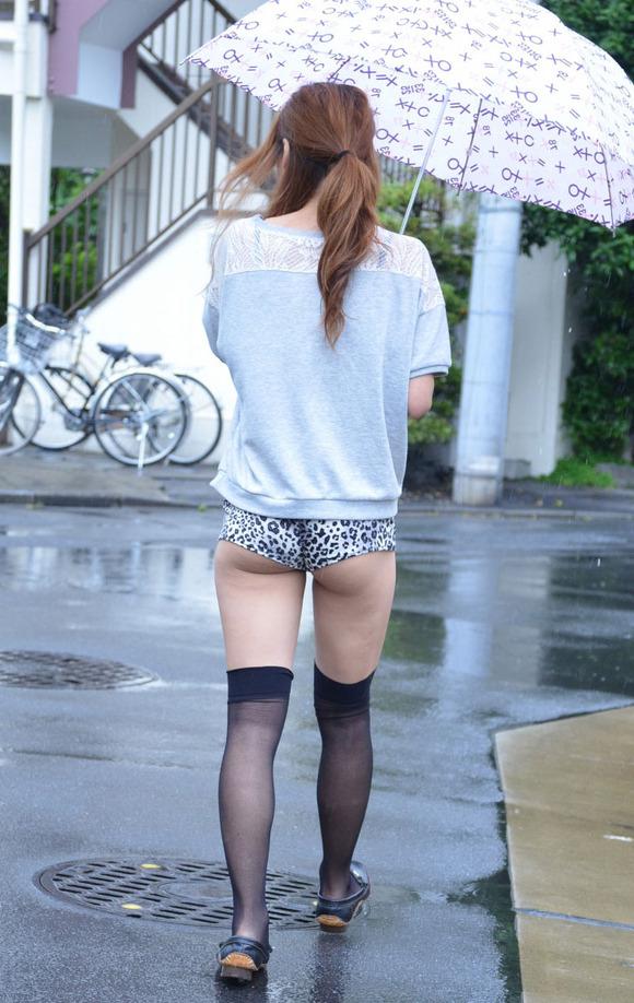 尻肉ハミ出る服で外出しちゃう最近の女の子の感覚ってどうなってるの?wwwwwww【画像30枚】23_20190102110505485.jpg