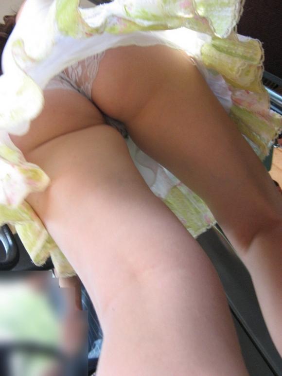 スカート短い女の子見ると下からパンツ見たくなってたまらなくなるwwwwwww【画像30枚】23_201903250027242c1.jpg