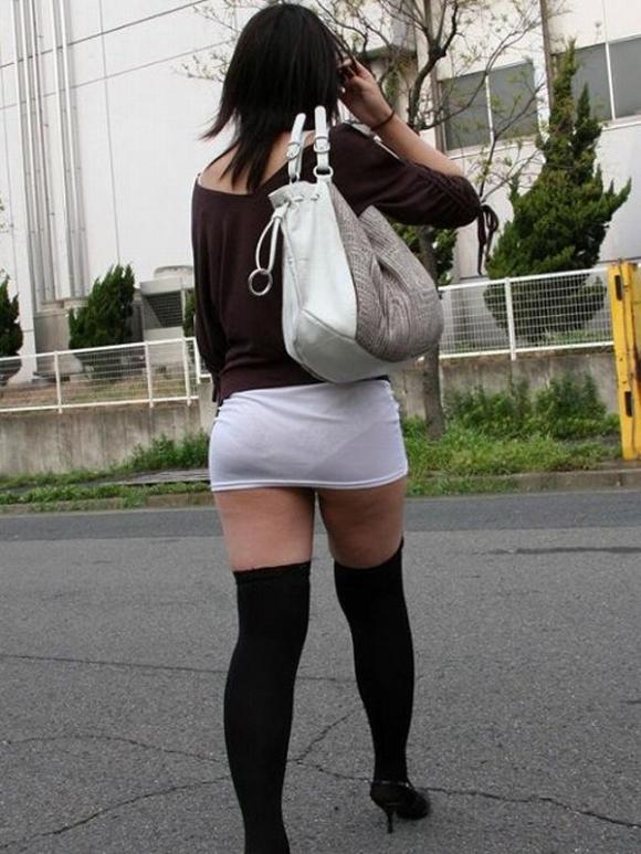 エロい下半身を晒して街を歩いてる女の子多すぎwwwwwww【画像30枚】23_20190625142624b77.jpg