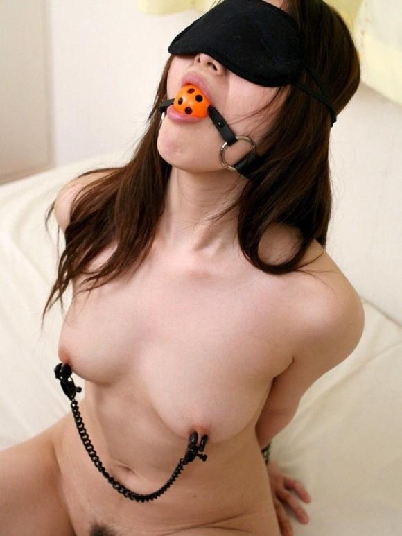【SM】女の子を目隠ししてエロいことをするのが楽しくて仕方ないwwwwwww【画像30枚】23_20190909004038d3b.jpg