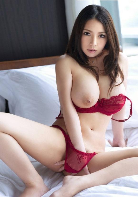【おっぱい】まるでビーナス!美しすぎる裸体を持つ美女のおっぱいに目が釘付け!wwwwwww【画像30枚】23_20191116221600d79.jpg