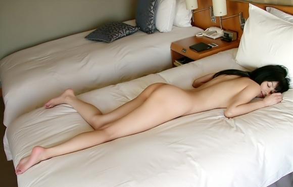 可愛い女の子にベッドから誘われたら絶対に飛び込んでセックスしてしまうwwwwwww【画像30枚】23_201911252036497c6.jpg