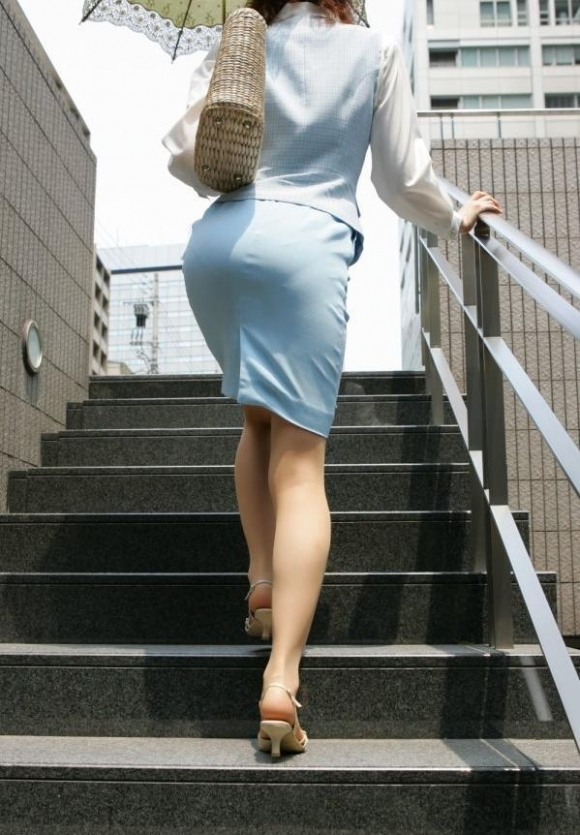 OLさんのタイトスカートがくっそエロいwwwwwww【画像30枚】24_20181106172012777.jpg
