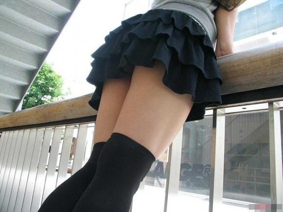 ニーハイソックス履いてるムチムチした脚がくっそエロいwwwwwww【画像30枚】24_2019042723470391e.jpg