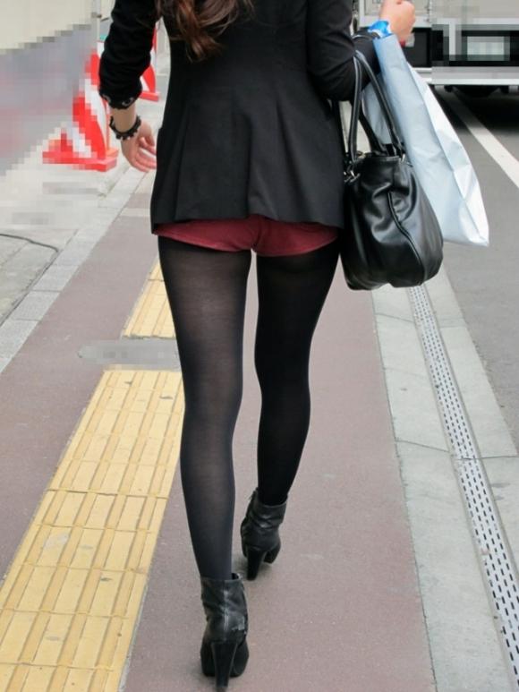 エロい下半身を晒して街を歩いてる女の子多すぎwwwwwww【画像30枚】24_20190625142625756.jpg