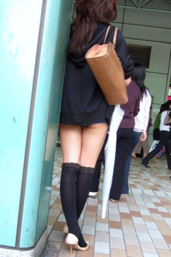 短すぎるスカートをなんで履くのか不思議すぎるwwwwwww【画像30枚】24_20190724012234584.jpg