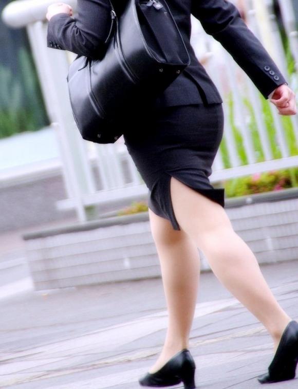 【エロケツ】着衣なのにくっそエロいケツをしてる女の子に襲いかかりそうwwwwwww【画像30枚】24_2019073001291366a.jpg