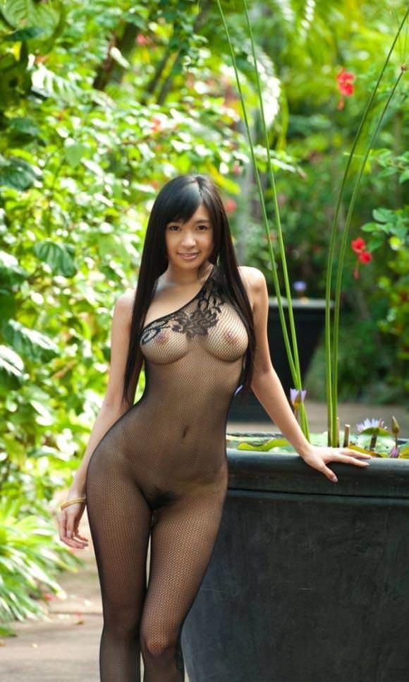【エロ方程式】裸+網タイツ=エロすぎて保存不可避レベルだわwwwwwww【画像30枚】24_20190922142403b28.jpg