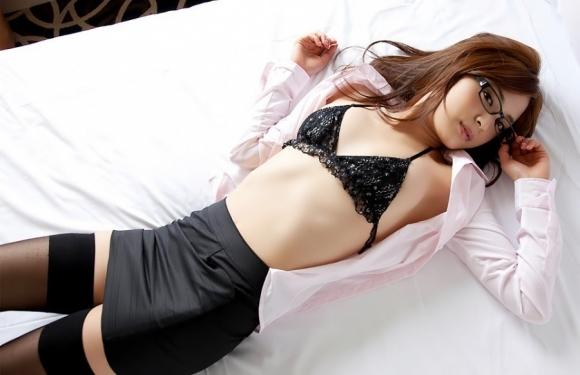 カワイイ女の子がベッドに寝てたら一緒に寝たくなるよなwwwwwww【画像30枚】25_20190224233047708.jpg
