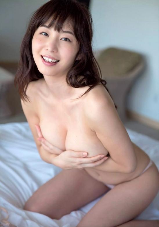 【おっぱい】ブラジャーよりも裸よりも素晴らしい手ブラの世界wwwwwww【画像30枚】25_201904170121292e2.jpg