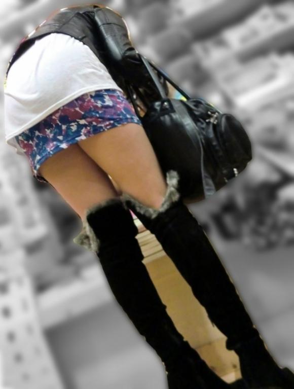 エロい下半身を晒して街を歩いてる女の子多すぎwwwwwww【画像30枚】25_20190625142626122.jpg