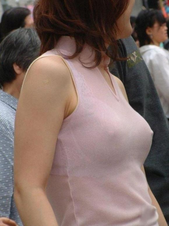 【ノーブラ】ブラジャーなしでいると乳首ポッチしちゃう危険性が高まるwwwwwww【画像30枚】25_20191028132046cca.jpg