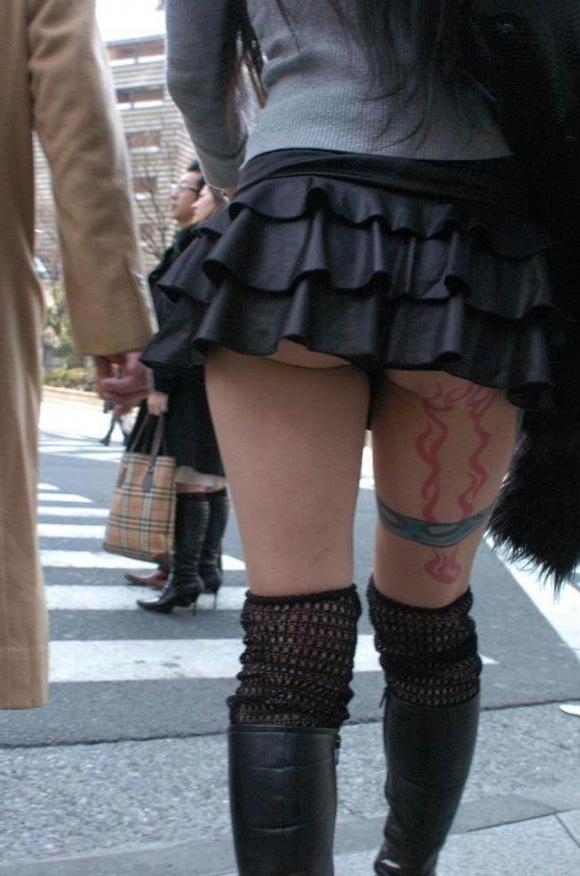 尻肉ハミ出る服で外出しちゃう最近の女の子の感覚ってどうなってるの?wwwwwww【画像30枚】26_201901021105108b6.jpg