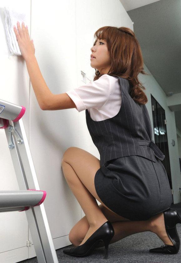 エロいOLさんが働いている職場なら毎日仕事がんばれそうwwwwwww【画像30枚】26_2019011901455410d.jpg