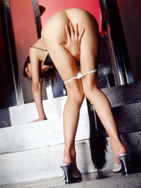 【脚フェチ】コレ見たらキレイな脚を好きになるに決まってるwwwwwww【画像30枚】26_201903230149098c7.jpg
