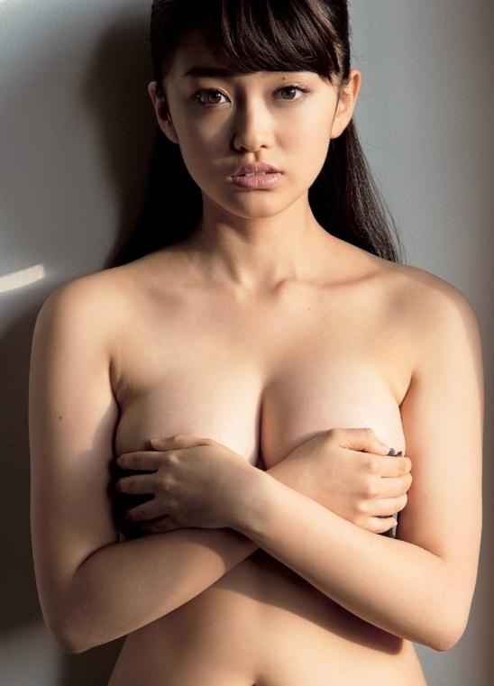 【おっぱい】ブラジャーよりも裸よりも素晴らしい手ブラの世界wwwwwww【画像30枚】26_20190417012130a19.jpg
