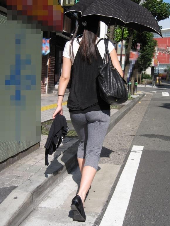 エロい下半身を晒して街を歩いてる女の子多すぎwwwwwww【画像30枚】26_20190625142628ca2.jpg