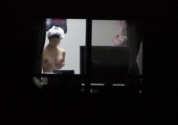 【民家盗撮】普通の家の窓から盗み撮りした女の子の裸がコレwwwwwww【画像30枚】27_20180921223125079.jpg