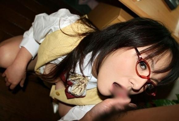 【眼鏡女子】真面目そうな女の子のエロい姿のギャップに萌えぇぇぇwwwwwww【画像30枚】27_20181002015521b26.jpg