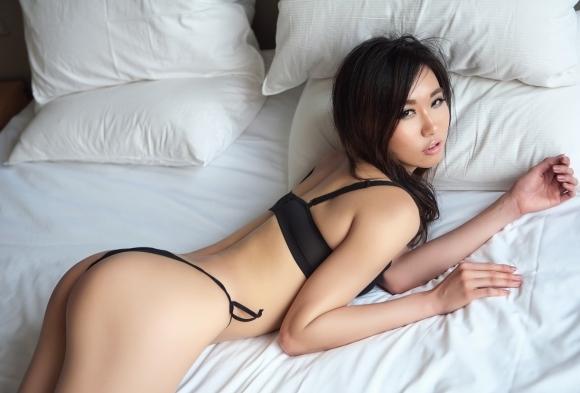 カワイイ女の子がベッドに寝てたら一緒に寝たくなるよなwwwwwww【画像30枚】27_20190224233050355.jpg