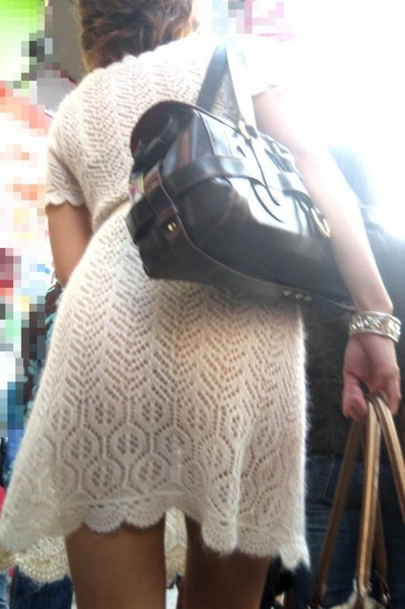 【着衣】暑くなってきてパンツも透けちゃう薄着の女の子が多くなったwwwwwww【画像30枚】27_20190526012221f7c.jpg