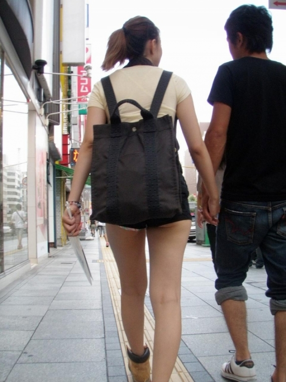 エロい下半身を晒して街を歩いてる女の子多すぎwwwwwww【画像30枚】27_20190625142630ba9.jpg