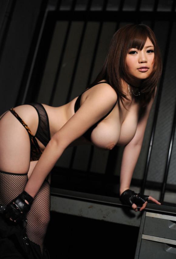 黒いランジェリーを着てる女の子がセクシーすぎる!【画像30枚】27_20190630151414c8e.jpg