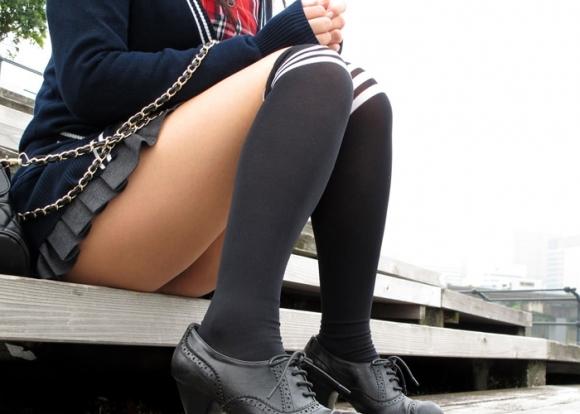 ニーハイソックス履いてるムチムチした脚がくっそエロいwwwwwww【画像30枚】28_20190427234709e11.jpg