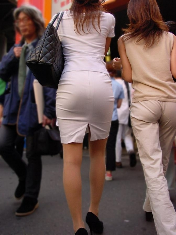 【着衣】暑くなってきてパンツも透けちゃう薄着の女の子が多くなったwwwwwww【画像30枚】28_20190526012222ea3.jpg