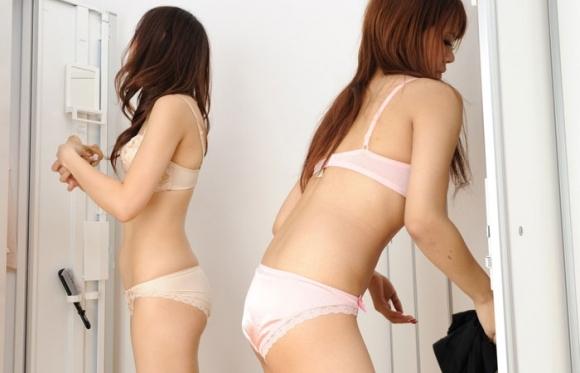 【盗撮画像】女の子が着替えてる女子更衣室を覗くっていう男の夢wwwwwww【画像30枚】28_20190609231138eec.jpg