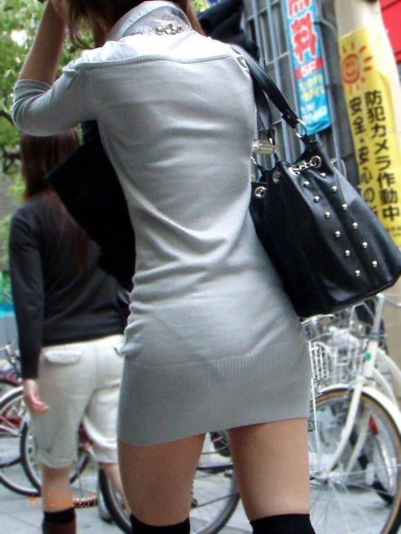 【プリケツ】スカートがピチピチすぎてヒップラインが丸わかりになってるwwwwwww【画像30枚】28_20190831023243268.jpg