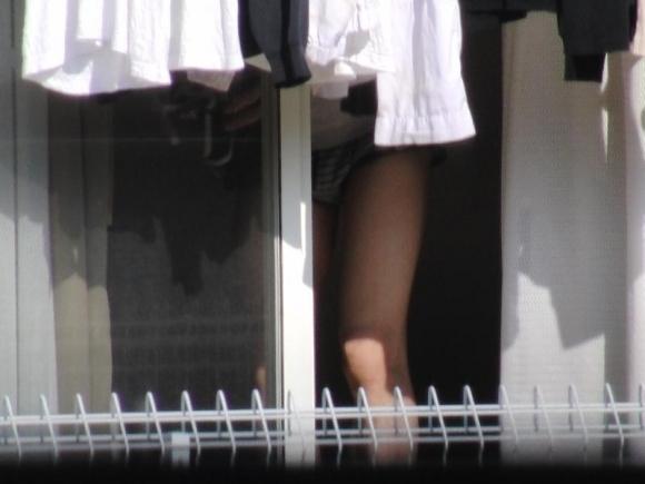【民家盗撮】普通の家の窓から盗み撮りした女の子の裸がコレwwwwwww【画像30枚】29_20180921223128731.jpg