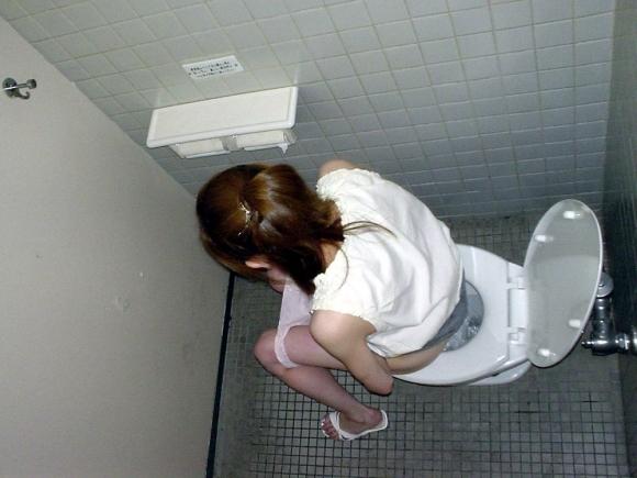 トイレで撮られた女の子の恥ずかしい写真wwwwwww【画像30枚】29_20181124230319a58.jpg