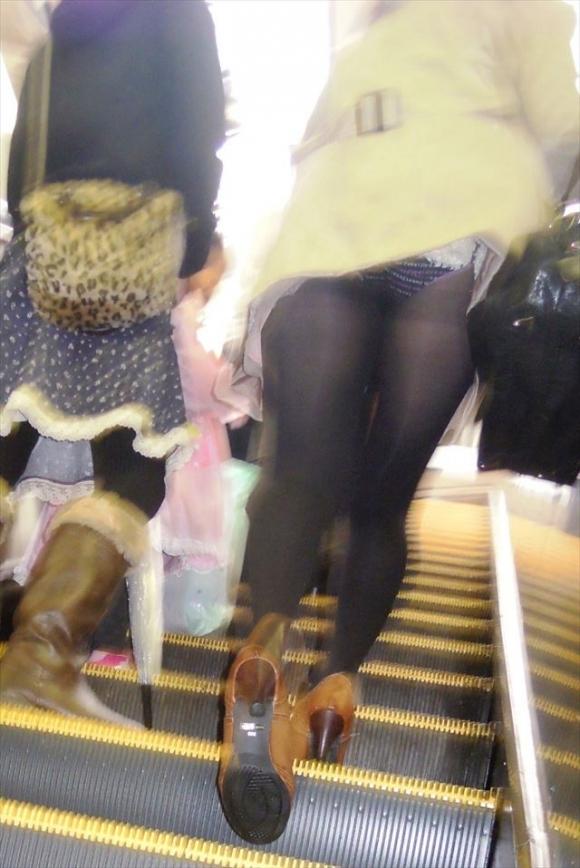 スカート短い女の子見ると下からパンツ見たくなってたまらなくなるwwwwwww【画像30枚】29_20190325002733a2f.jpg
