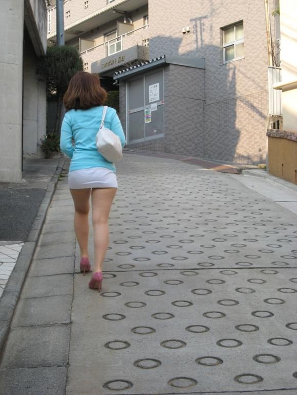 短いスカートを履いてパンチラさせにきてる女の子wwwwwww【画像30枚】29_20190502014524487.jpg