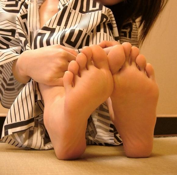 【フェチ】綺麗な足裏にムラムラするヤツっているの?wwwwwww【画像30枚】29_20191210215836e76.jpg