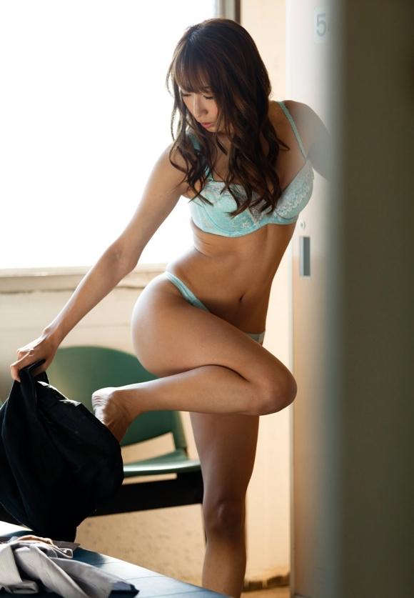 【盗撮画像】女の子が着替えてる女子更衣室を覗くっていう男の夢wwwwwww【画像30枚】30_20190609231141067.jpg