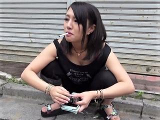 [素人ナンパ] 街で出会ったヤンキーをGET 巨マラ見て 『ちょーウケるぅ』