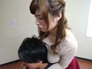 《奥田咲》首に~肩に~胸の感触が… 理性崩壊で大暴走 真っ白なバストが美しい