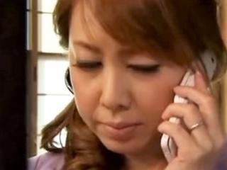 《風間ゆみ》 もう自慰だけでは我慢できない 過去の男を思い出して電話をしてしまう