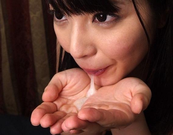 男の性感帯を知り尽くした人気女優の生足コキに大量足射の脚フェチDVD画像6