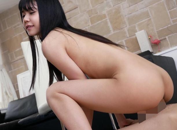 幼いツルペタ美少女がクルーソックス足コキや激ピス強要セックスの脚フェチDVD画像3