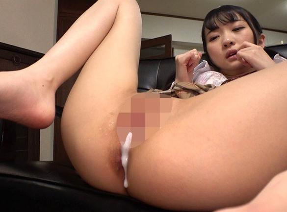 義父の肉棒を足臭漂うハイソックスで足コキ責めする女子校生の脚フェチDVD画像6