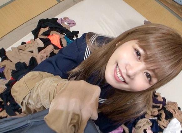 ムレムレのパンスト美脚女子校生の足コキや着衣SEXで大量足射の脚フェチDVD画像4