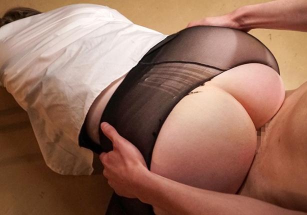 デカ尻ムチ腿のエロいパンスト美脚で足コキする白人女教師の脚フェチDVD画像6