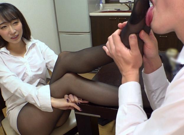 憧れの女上司OLたちが蒸れ蒸れパンストで足コキ痴女責めの脚フェチDVD画像1